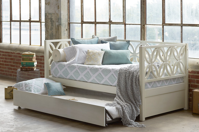 8 Dreamy Daybeds That Do Double Duty as Seating 101416 thumb