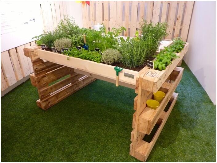 15 Unique Kitchen Gardens That Your Home Deserves 183167 thumb