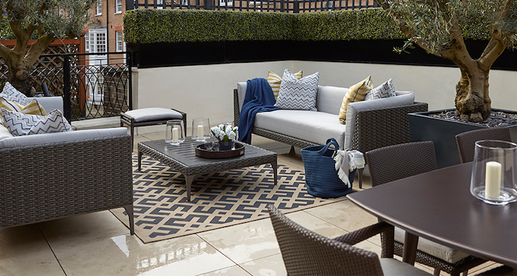 Discover the key to choosing outdoor furniture. by Helen Green 189105 thumb