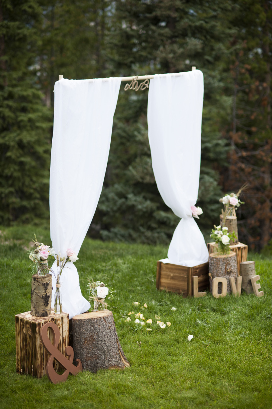"Say ""I Do"" to These Fab 51 Rustic Wedding Decorations 213373 thumb"
