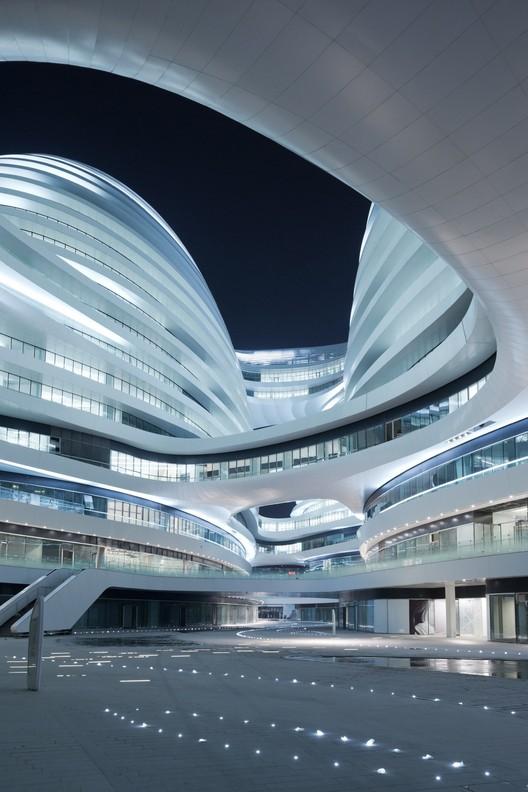 Zaha Hadid's Wangjing SOHO Wins Emporis Skyscraper Award 252235 thumb
