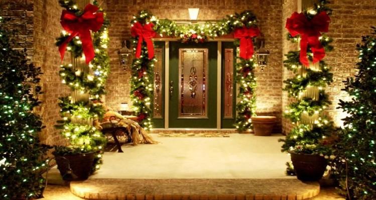 Best Front Door Christmas Decoration Ideas Interior Design Blogs