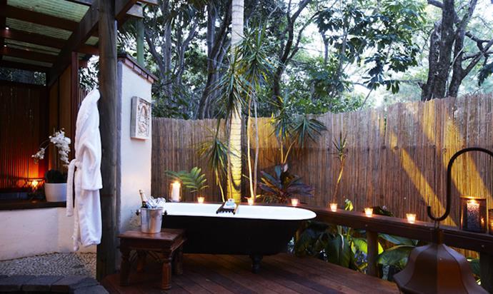 11 Incredible Tropical Bathrooms that inspire (1) (Copy) tropical bathrooms 10 Incredible Tropical Bathrooms that inspire 11 Incredible Tropical Bathrooms that inspire 1 Copy