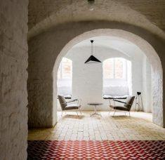Summer-Apartment_Berlin_Loft-Szczecin_Karolina-Bak_dezeen_936_3 (Copy)