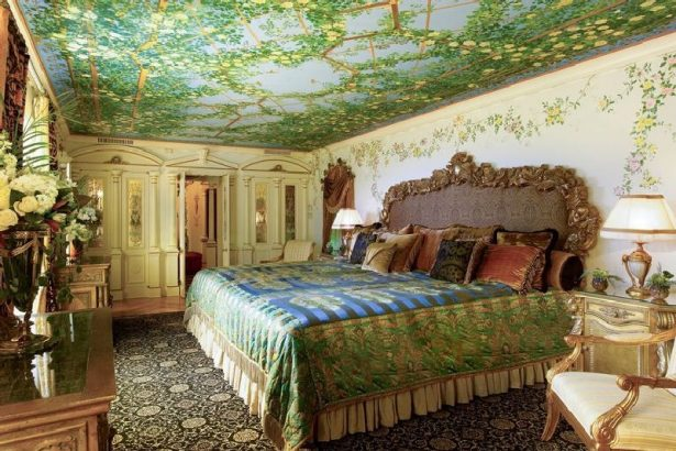 Everything You Need To Know About Miami's Versace Mansion