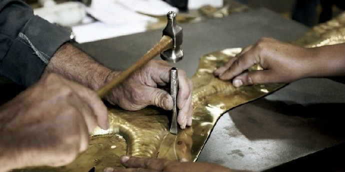 Metalwork Technique How the Metalwork Technique Can Give an Aesthetic Look to Furniture feat 4
